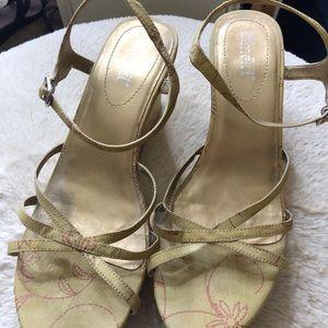 Mudd sandals size 9